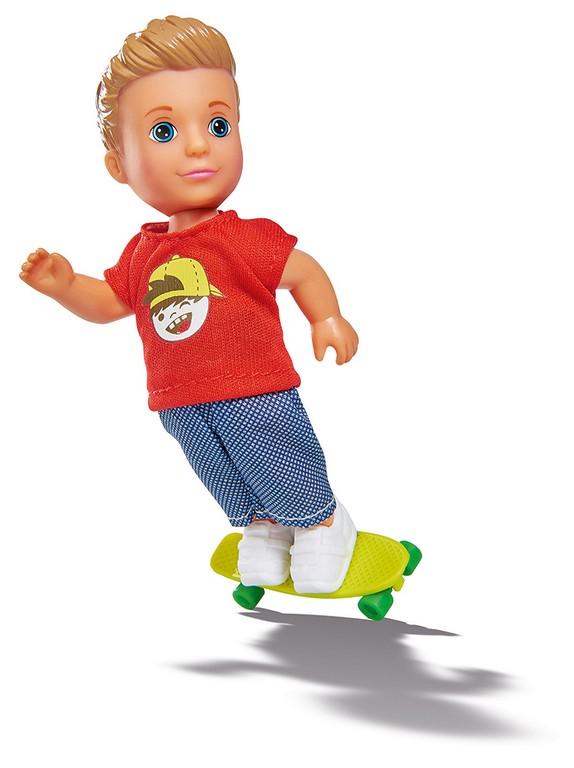 Panáček Timmy so skateboardom